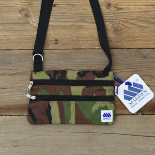 <img class='new_mark_img1' src='//img.shop-pro.jp/img/new/icons3.gif' style='border:none;display:inline;margin:0px;padding:0px;width:auto;' />MADDEN メデン/ ESSENTIAL BAG-WOODLAND CAMO<br>使い勝手抜群な軽量&サコッシュ