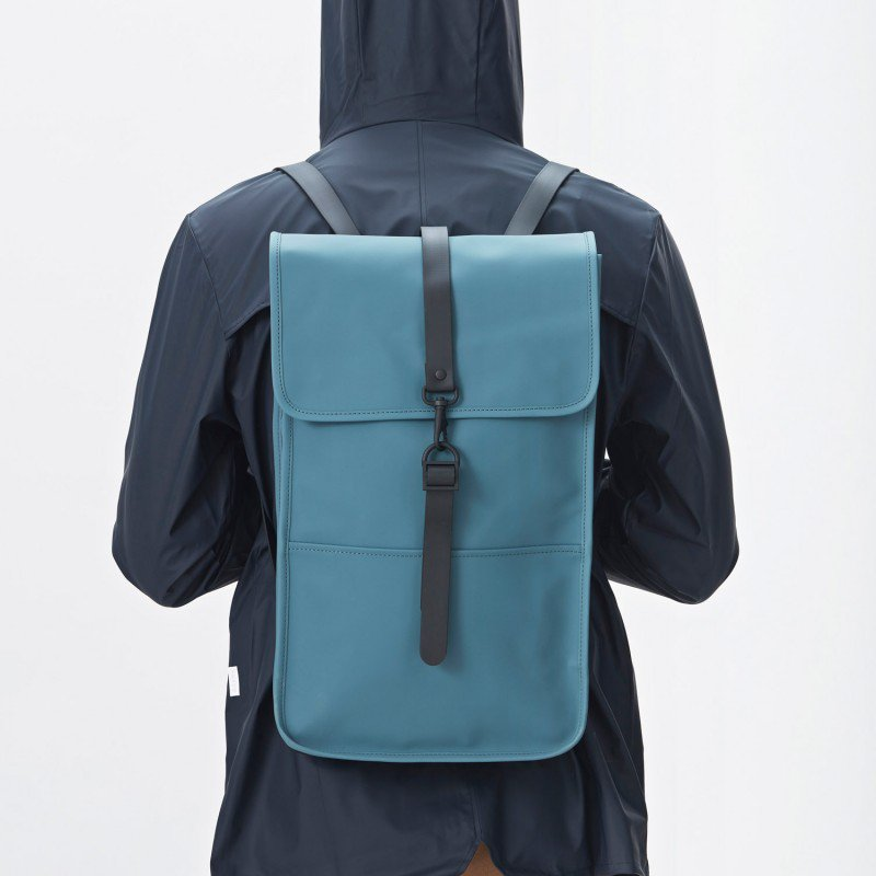 RAINS レインズ /  BACKPACK-PACIFIC デンマーク発。雨の日が楽しくなるシンプル仕様のバックパック
