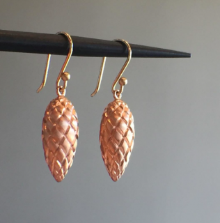 Ted Muehling /PINK GOLD PINECONES<br> ニューヨーク発。自然の美をとじこめた大人のためのジュエリー