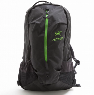 ARC'TERYX <br> アークテリクス / <br>ARRO 22 アロー 22  <br>BLACK/KHASI<img class='new_mark_img2' src='https://img.shop-pro.jp/img/new/icons50.gif' style='border:none;display:inline;margin:0px;padding:0px;width:auto;' />