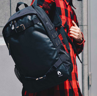 <img class='new_mark_img1' src='//img.shop-pro.jp/img/new/icons3.gif' style='border:none;display:inline;margin:0px;padding:0px;width:auto;' />NIXON/SMITH � BACKPACK-ALL BLACK NYLON<br>PC収納ができカジュアルにもビジネスにもOK