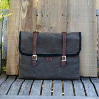 wheelmen&co./ E. Homes Laptop Case -BROWN<img class='new_mark_img2' src='//img.shop-pro.jp/img/new/icons3.gif' style='border:none;display:inline;margin:0px;padding:0px;width:auto;' />