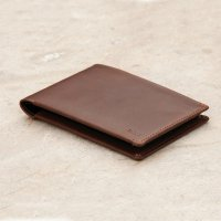 <img class='new_mark_img1' src='//img.shop-pro.jp/img/new/icons3.gif' style='border:none;display:inline;margin:0px;padding:0px;width:auto;' />Bellroy ベルロイ/ Travel Wallet - COCOA  旅行に必要な書類をまとめてポケットに