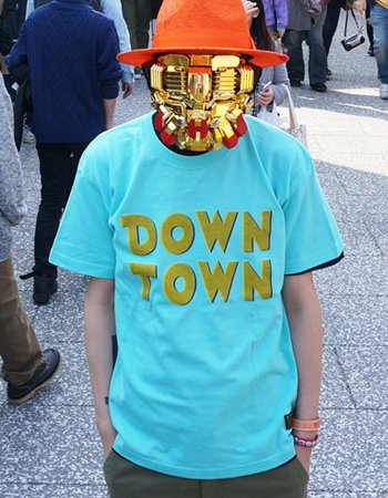DOWN TOWN TEE
