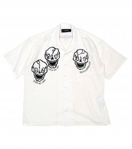 <img class='new_mark_img1' src='https://img.shop-pro.jp/img/new/icons2.gif' style='border:none;display:inline;margin:0px;padding:0px;width:auto;' />SKULL BROS. SHIRTS