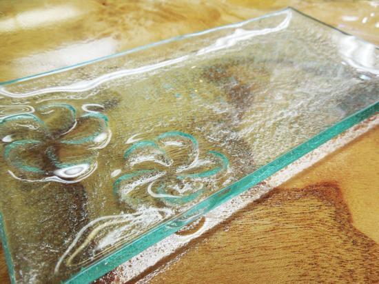 フランジパニ2輪クリアガラスプレート 長方形( 中 )【涼しげなバリガラス】