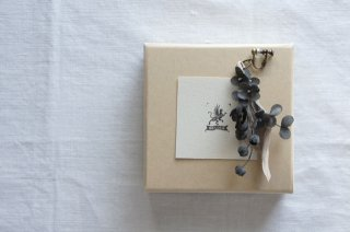 Earring or Pierce Lily of the valley & Annabel ( dark gray )