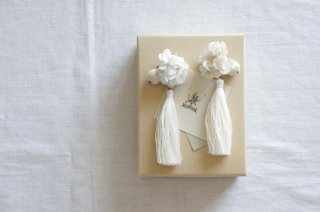 <img class='new_mark_img1' src='https://img.shop-pro.jp/img/new/icons47.gif' style='border:none;display:inline;margin:0px;padding:0px;width:auto;' />Earring Annabel & Tassel( ivory )