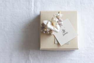 <img class='new_mark_img1' src='https://img.shop-pro.jp/img/new/icons47.gif' style='border:none;display:inline;margin:0px;padding:0px;width:auto;' />Earring Sweet flowers