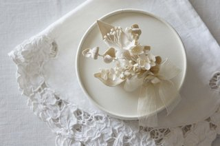 <img class='new_mark_img1' src='https://img.shop-pro.jp/img/new/icons47.gif' style='border:none;display:inline;margin:0px;padding:0px;width:auto;' />Corsage / Bouquet( beige )