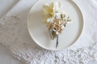 <img class='new_mark_img1' src='https://img.shop-pro.jp/img/new/icons47.gif' style='border:none;display:inline;margin:0px;padding:0px;width:auto;' />Bouquet Corsage / Pale dried flower A