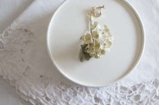 <img class='new_mark_img1' src='https://img.shop-pro.jp/img/new/icons47.gif' style='border:none;display:inline;margin:0px;padding:0px;width:auto;' />Earring or Pierce / Viburnum Snowball
