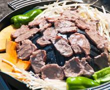 ラム肩ロースジンギスカン【特製たれ付】肉600g たれ400g