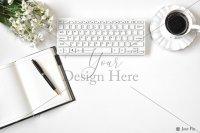 【写真素材】ジュールフィン、デスクトップ、花束、キーボード、コーヒーカップ(Mサイズ)
