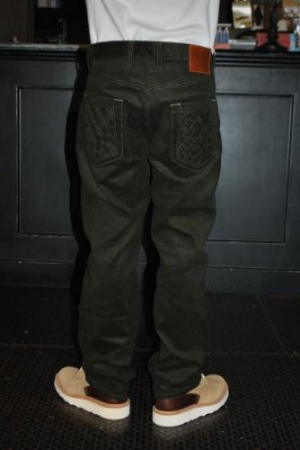 <img class='new_mark_img1' src='//img.shop-pro.jp/img/new/icons20.gif' style='border:none;display:inline;margin:0px;padding:0px;width:auto;' />SEVENTY FOUR TYPE 2B CORDUROY PANT