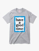 <img class='new_mark_img1' src='//img.shop-pro.jp/img/new/icons14.gif' style='border:none;display:inline;margin:0px;padding:0px;width:auto;' />2018SS BLUE BIG FRAME TEE GREY