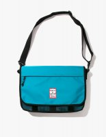 <img class='new_mark_img1' src='//img.shop-pro.jp/img/new/icons14.gif' style='border:none;display:inline;margin:0px;padding:0px;width:auto;' />2018SS FRAME MESSENGER BAG PEACOCK
