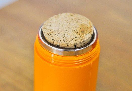 スウェーデン製のプラスチック魔法瓶(オレンジ+白)/ビンテージ  画像03