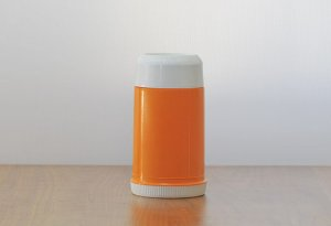 スウェーデン製のプラスチック魔法瓶(オレンジ+白)/ビンテージ