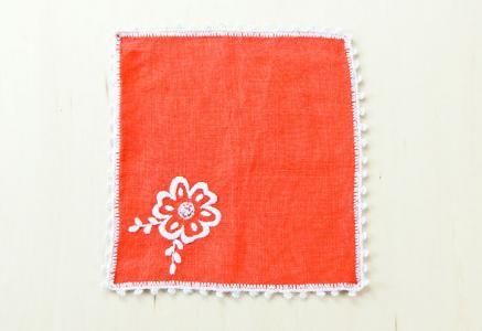 北欧で使われていた、刺繍のドイリー/ビンテージ/F0106