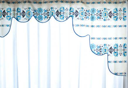 北欧で使われていた、レトロ柄の可愛いミニカーテン/ビンテージ/F0095