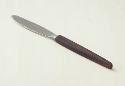 北欧で使われていた、チーク材の柄がついたフルーツナイフ/ビンテージ