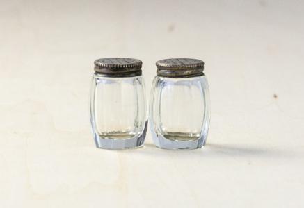 北欧で使われていた、ガラスのソルト&ペッパーのセット/ビンテージ/T0263
