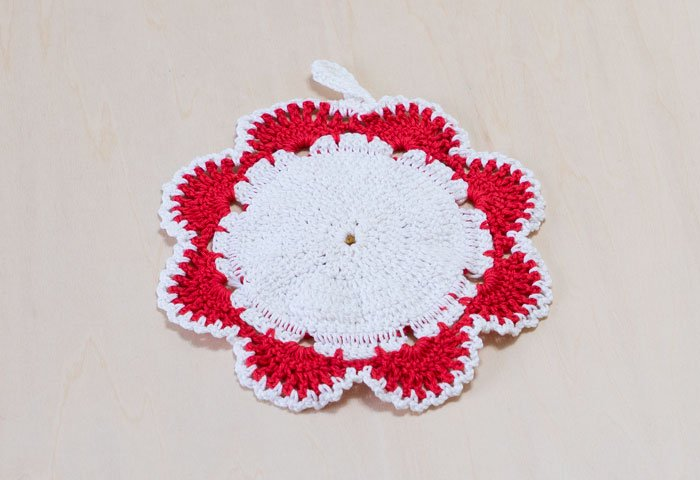 北欧で使われていた、赤い花のモチーフのポットホルダー(鍋つかみ)/ビンテージ/F0168  画像03