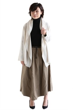 <img class='new_mark_img1' src='//img.shop-pro.jp/img/new/icons20.gif' style='border:none;display:inline;margin:0px;padding:0px;width:auto;' />TOMORROWLAND MACPHEE(マカフィ) LAMBS CASHMERE ショートマント【12-02-64-02611】アイボリー