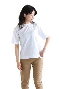MUVEIL WORK(ミュベールワーク) ハートパッチシンプルTシャツ【MW81UTS020】white