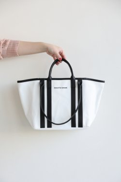 beautiful people(ビューティフルピープル) shape memory canvas W handle bag  white