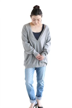 unfil(アンフィル) egyptian cotton fine gauge-knit deep V-neck pullover  top gray