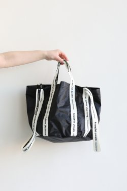 beautiful people(ビューティフルピープル) sail cloth logo tape shift bag S  black