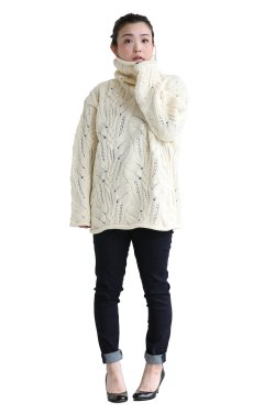 unfil(アンフィル) french merino cable-knit oversized sweater  natural