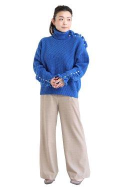 MUVEIL(ミュベール) パール釦ニットプルオーバー  blue
