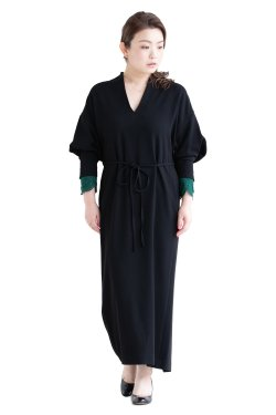 Mame Kurogouchi(マメ) Embroidery Cuffs V-Neck Dress