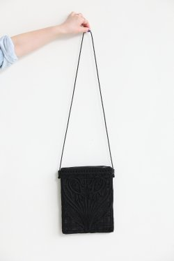Mame Kurogouchi(マメ) Coading Embroidery Pouch With Leather Strap  BLACK