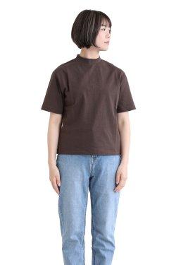 SONO(ソーノ) ハイネックスクエアTシャツ BROWN