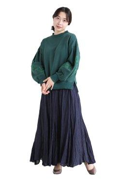 MUVEIL(ミュベール) スズラン刺繍裏毛プルオーバー  darkgreen