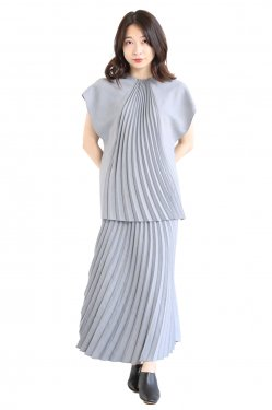 Mame Kurogouchi(マメ) Curved Pleated Top