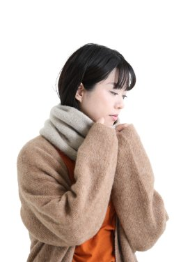 unfil(アンフィル) cashmere neck warmer  lightbeige