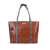 nicole leeトートバッグ / BROWN PYTHON<img class='new_mark_img2' src='https://img.shop-pro.jp/img/new/icons15.gif' style='border:none;display:inline;margin:0px;padding:0px;width:auto;' />