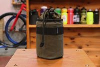 <img class='new_mark_img1' src='https://img.shop-pro.jp/img/new/icons1.gif' style='border:none;display:inline;margin:0px;padding:0px;width:auto;' />FAIRWEATHER stem bag olive / オリーブ
