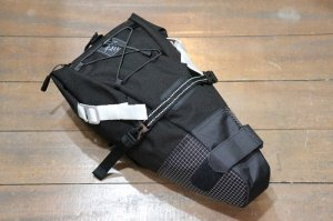 <img class='new_mark_img1' src='//img.shop-pro.jp/img/new/icons1.gif' style='border:none;display:inline;margin:0px;padding:0px;width:auto;' />RawLow Mountain Works Bike'n Hike Bag A-BLACK