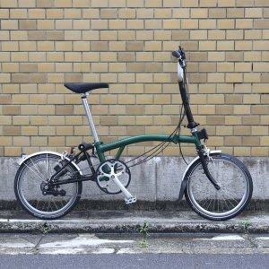 <img class='new_mark_img1' src='https://img.shop-pro.jp/img/new/icons2.gif' style='border:none;display:inline;margin:0px;padding:0px;width:auto;' />【中古】BROMPTON (ブロンプトン) M6L (6段変速モデル)ミニベロ