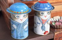 【 Kitty Cucumber 】ネコのブリキ缶 ( ティンボックス)|デッドストック