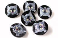 ネコのガラスボタン(チェコ)|白ネコ×ブラック
