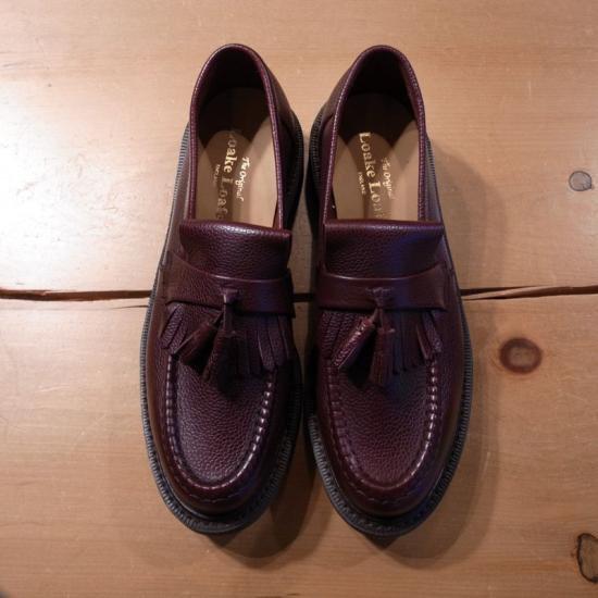 英国ノーザンプトンにて1880年に創業された英国靴の老舗ブランド「LOAKE」に聖林公司が別注したスペシャルな一足です。
