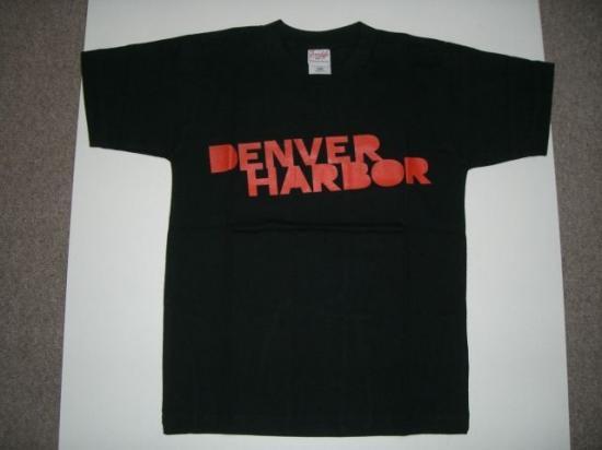DENVER HARBOR 赤ロゴTシャツ