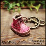 Mountain Boots Key Holder マウンテンブーツキーホルダー(牛染色革)カラー011<img class='new_mark_img2' src='https://img.shop-pro.jp/img/new/icons10.gif' style='border:none;display:inline;margin:0px;padding:0px;width:auto;' />